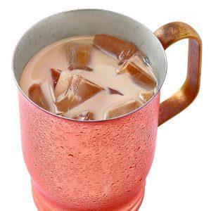 カフェインレスのアイス黒糖ミルク珈琲